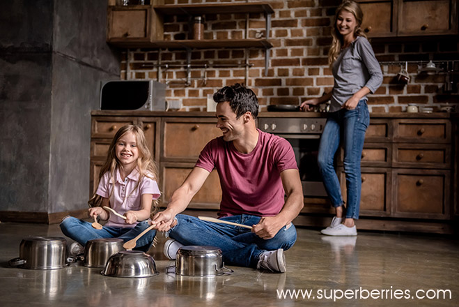 Family Having Fun With Kettles-Superberries Blog